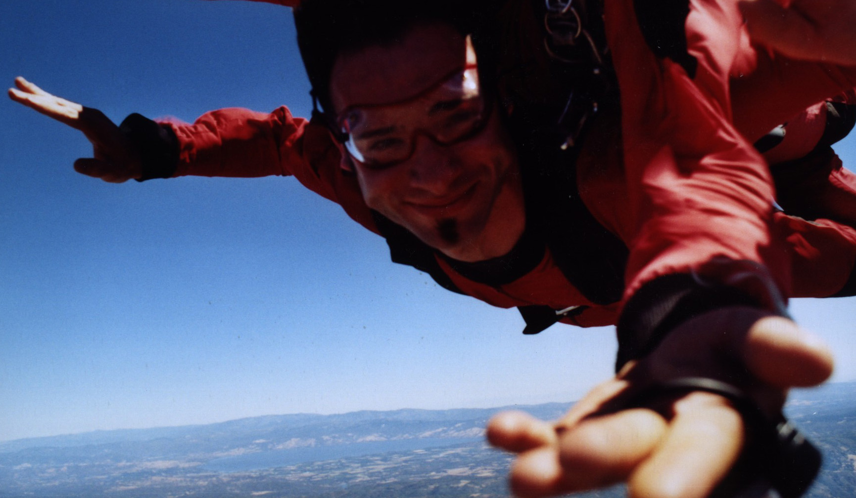 Description: http://www.heinz.cmu.edu/~acquisti/pics/skydiving-crop.JPG